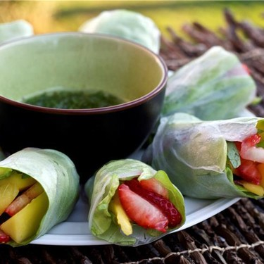 Strawberry and Mango Fruit Salad Rolls Recipe | SideChef