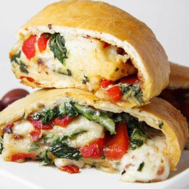 Cheesy Veggie Stromboli with Spinach and Tomatoes Recipe | SideChef