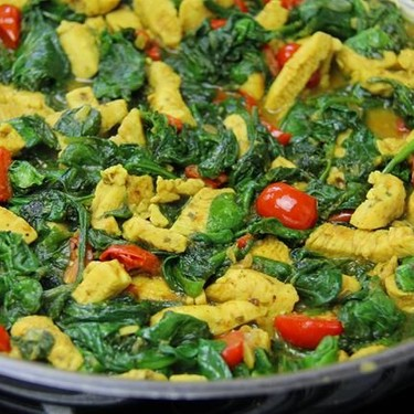 20 Minute Curry Chicken With Spinach Recipe | SideChef