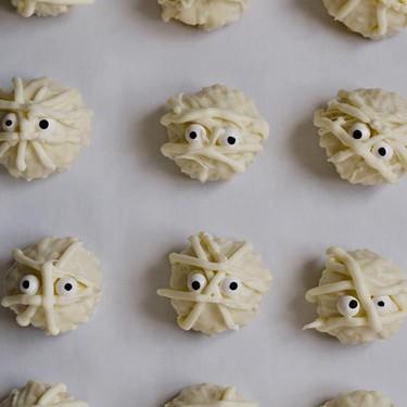 Mummy Cake Truffles Recipe | SideChef