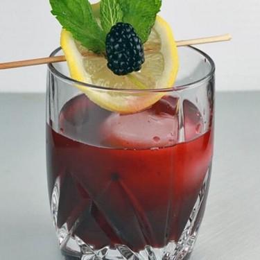 Blackberry Bourbon Lemonade Cocktail Recipe | SideChef