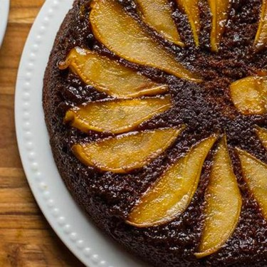 Gingerbread Pear Upside-Down Skillet Cake Recipe | SideChef