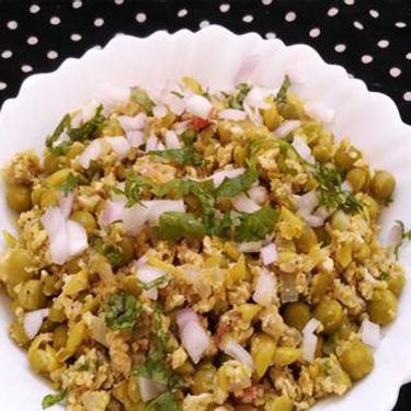 Egg and Green Peas Scramble Recipe | SideChef