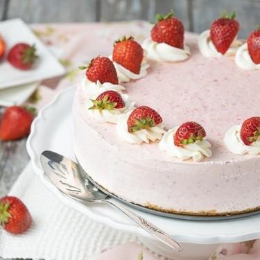 Frozen Yogurt Strawberry Cake Recipe   SideChef