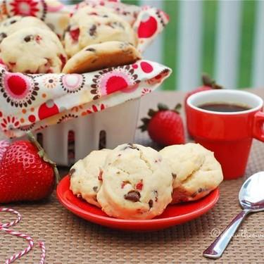Mini Maple Strawberry Chocolate Chip Scones Recipe | SideChef