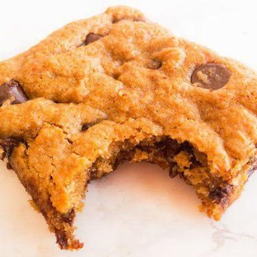 Vegan Chocolate Chip Cookie Bars Recipe | SideChef