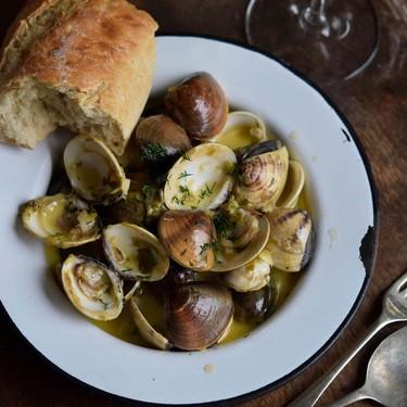 Italian-Style Steamed Clams Recipe | SideChef