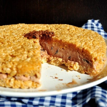 No-Bake Ice Cream Sandwich Cake Recipe | SideChef