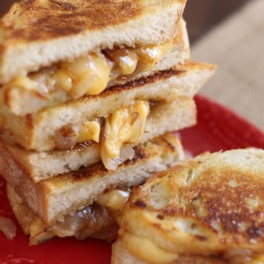 Double Gouda & Fig Grilled Cheese Recipe | SideChef