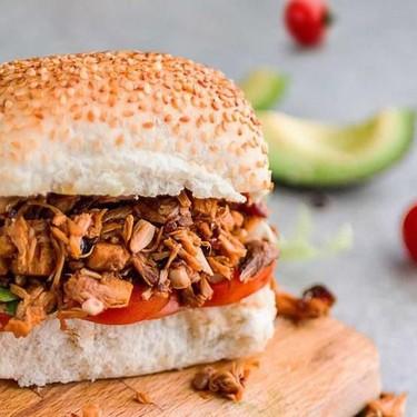 "Vegan ""Pulled Pork"" Style Jackfruit Burger Recipe | SideChef"