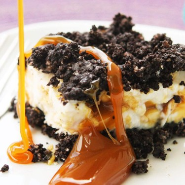 Oreo Caramel Frozen Yogurt Cake Recipe | SideChef