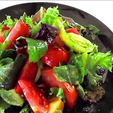 Fresh Tomato Basil Salad with Bittermelon Leaves Recipe | SideChef