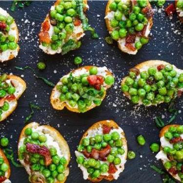 Pea and Pancetta Crostini Recipe | SideChef