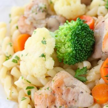 Easy Chicken and Vegetables in Velvety Sauce Recipe | SideChef