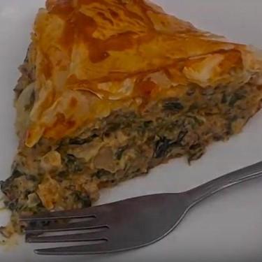 Beef, Spinach, and Tomato Pie Recipe | SideChef