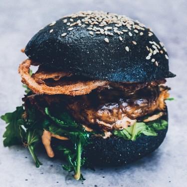 Crispy Onions and Arugula Burger Recipe | SideChef
