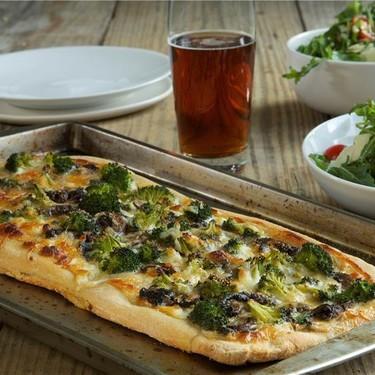 White Pizza with Broccoli and Mushrooms Recipe | SideChef