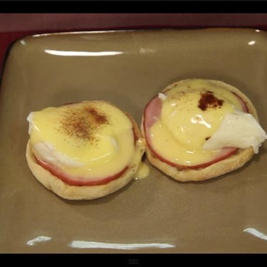 Eggs Benedict with Easy Hollandaise Sauce Recipe | SideChef