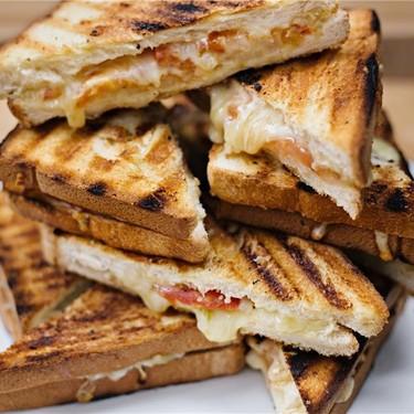 Cheese & Tomato Braai Broodtjies Recipe   SideChef