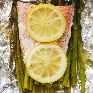 Parmesan Salmon and Asparagus in Foil Recipe | SideChef
