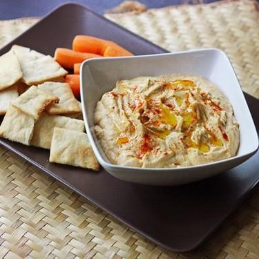 Smooth Garlic Hummus Recipe | SideChef