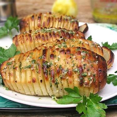 Hasselback Potatoes Recipe | SideChef
