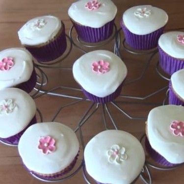Royal Icing for Cupcakes Recipe | SideChef