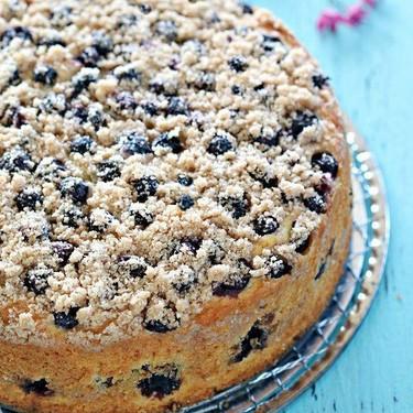 Blueberry Crumble Cake Recipe | SideChef