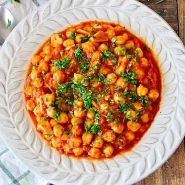 Spanish Chickpeas with Spicy Paprika Tomato Sauce Recipe | SideChef