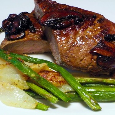 Steak with Roasted Asparagus and Pears Recipe | SideChef