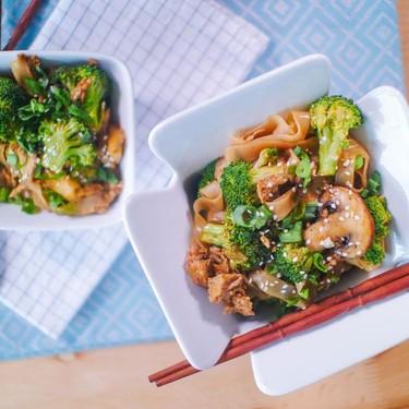 Veganized Chrissy Teigen Thai Drunken Noodles Recipe | SideChef