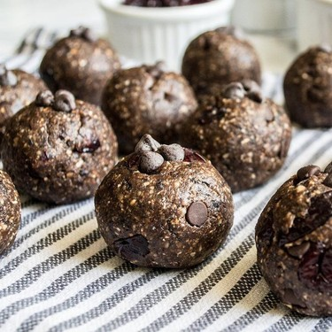 Chocolate Almond Probiotic Raw Energy Balls Recipe | SideChef