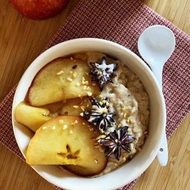 Creamy Apple Spiced Oatmeal Recipe | SideChef