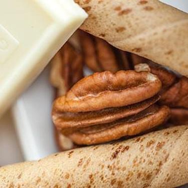 White Chocolate and Pecan Spread Recipe | SideChef
