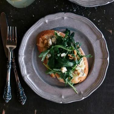 Gorgonzola-Walnut Bruschetta with Truffle Oil Recipe   SideChef