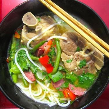 Pork Shank and Lai Fen in Garlic Ginger Broth Recipe | SideChef