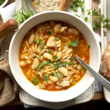 Tuscan Chicken and White Bean Soup Recipe | SideChef