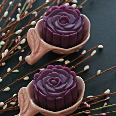 Purple Sweet Potato Mooncakes Recipe | SideChef