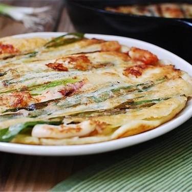 Haemul Pajeon (Seafood Scallion Pancakes) Recipe | SideChef