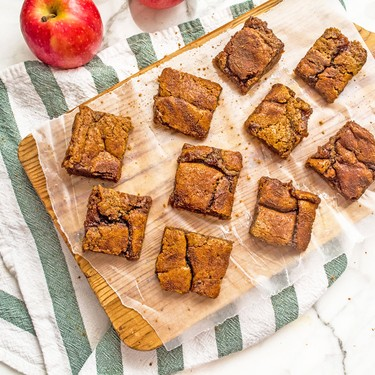 Chickpea Flour Apple Butter Snickerdoodle Bars Recipe | SideChef
