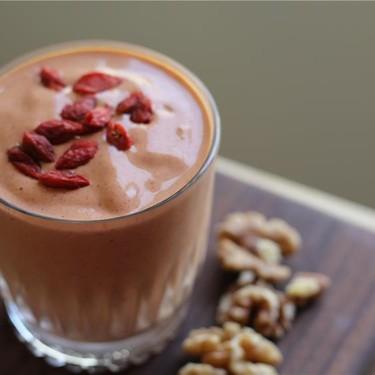 Goji Walnut Smoothie Recipe | SideChef