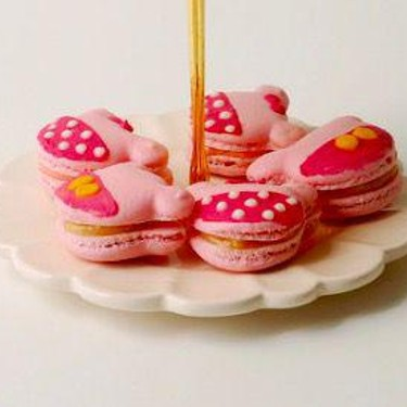 Mickey and Minnie Rose Macarons Recipe | SideChef