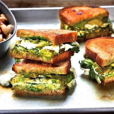 Spinach Pesto Grilled Cheese with Cannellini Salad Recipe | SideChef