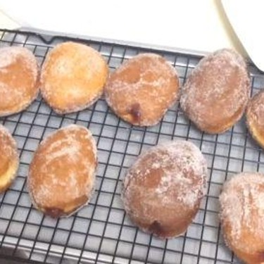 Jelly Doughnuts Recipe | SideChef
