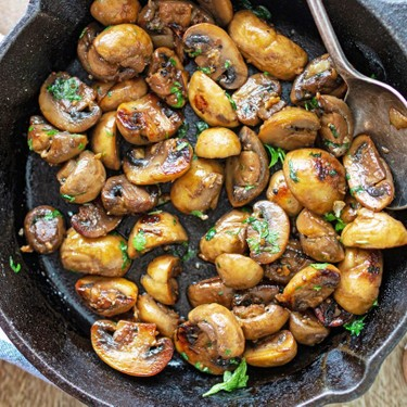 Sautéed Mushrooms with Garlic Recipe | SideChef