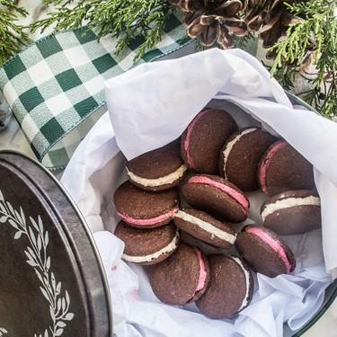 Paleo Peppermint Sandwich Cookies Recipe | SideChef