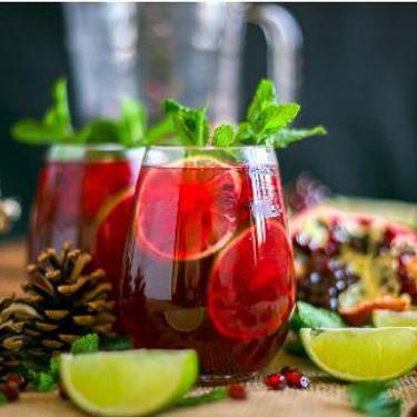 Winter Pomegranate Mojito with Venezuelan Rum Recipe | SideChef