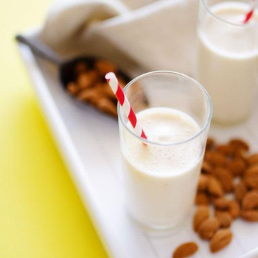 Almond Maple Smoothie Recipe | SideChef