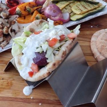 Grilled Chicken Pitas Recipe | SideChef