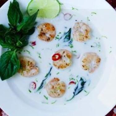 Seared Shrimps with Coconut Lemongrass Sauce Recipe | SideChef